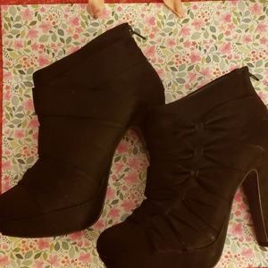 Suede Call It Spring booties